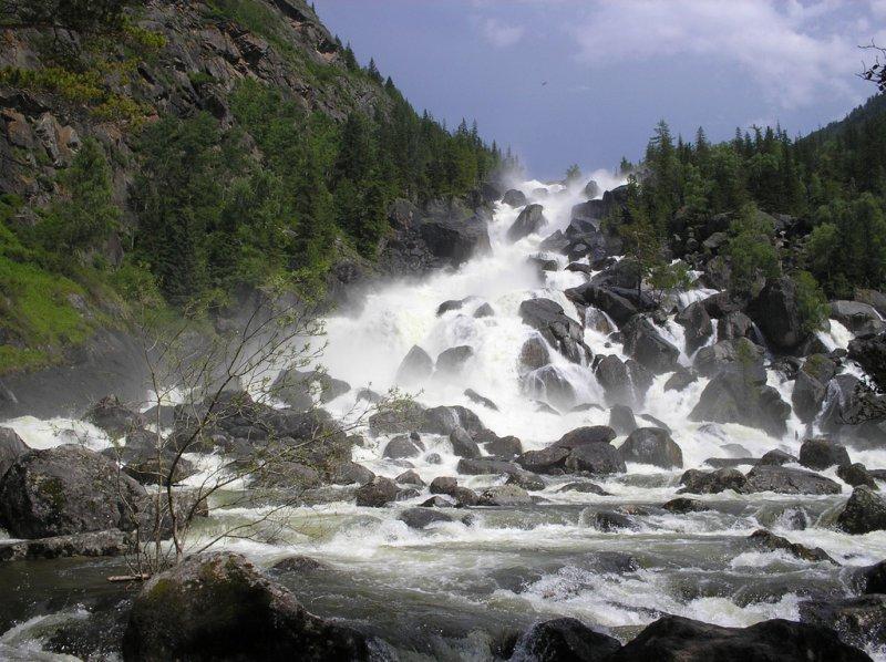 Водопад Учар на Алтае, Россия