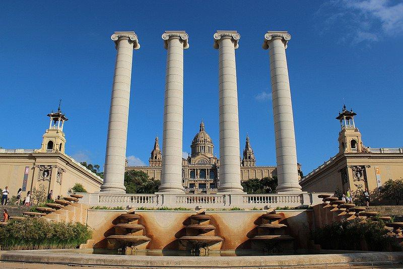 Вид на ациональный дворец Каталонии