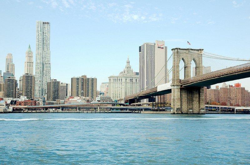 Вид на Бруклинский мост