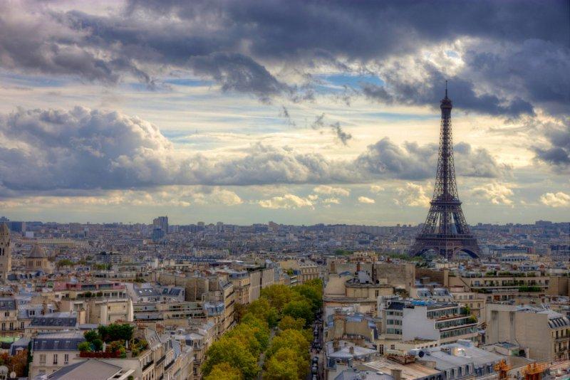 Вид на Париж с арки