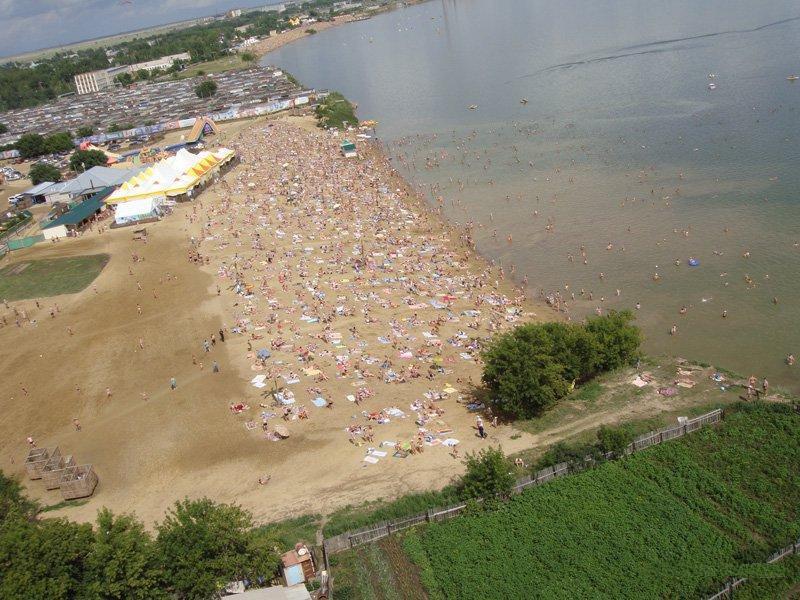 Вид на пляж сверху