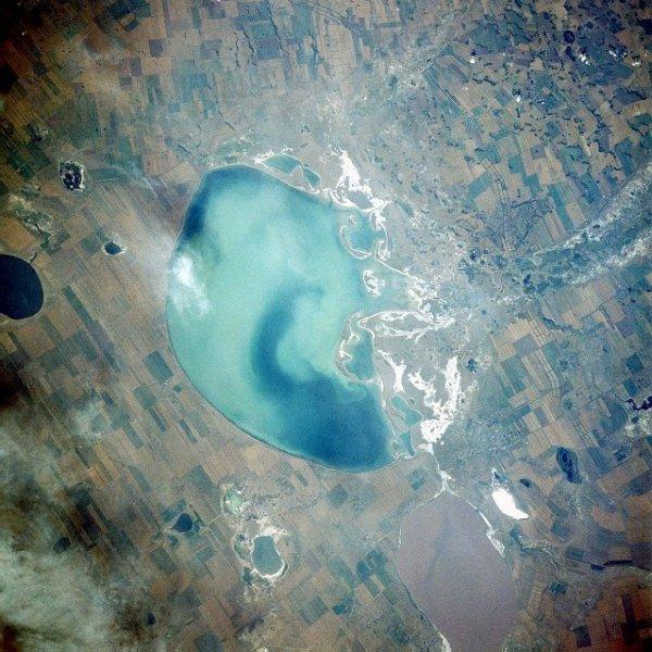 Вид из космоса на Кулундинское озеро