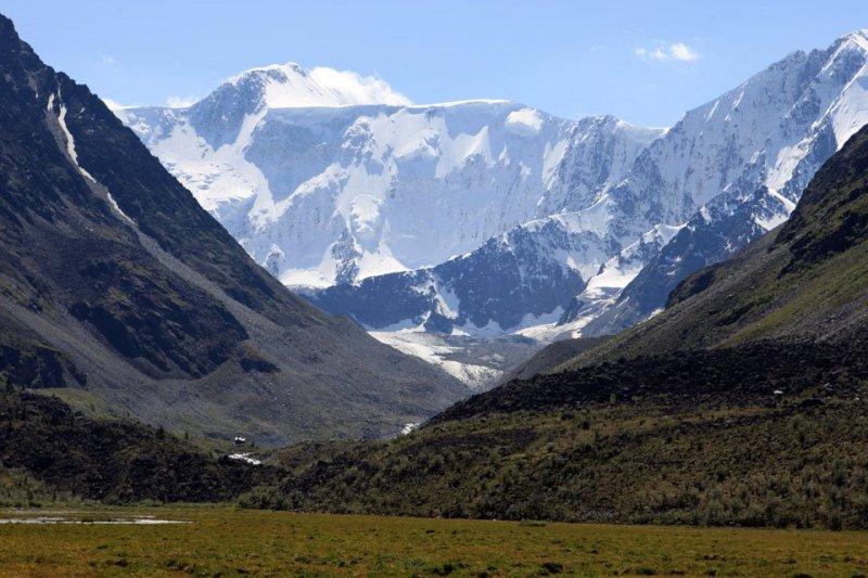Вид на Белуху   Richard Lozin / panoramio.com