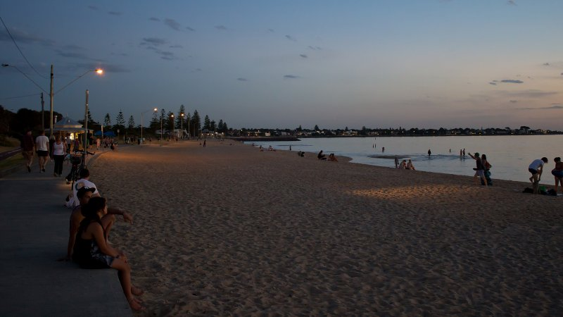 Пляж на Брайтон-Бич вечером