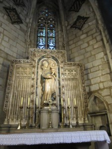 Внутри Барселонского собора