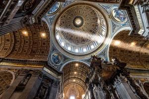 Купол изнутри Собора Святого Петра