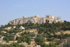 Вид на Акрополь в Афинах с площади Агора
