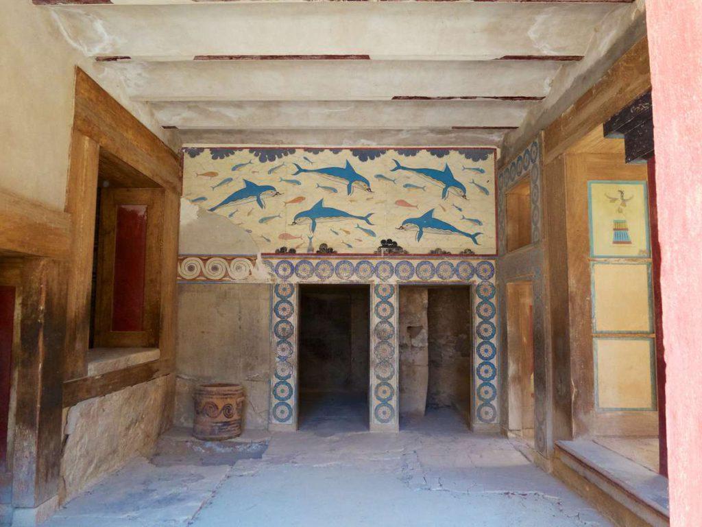 Фреска с дельфинами
