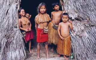 3 диких племени XXI века, которые отказываются от всех благ