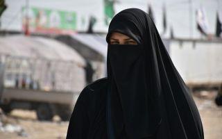 Почему арабские женщины носят черную одежду