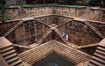 Зачем по всей Индии строили странные лестницы, уходящие под землю