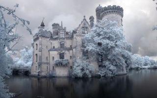 5 самых красивых заброшенных замков