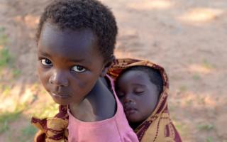 Ученые призвали ограничить рождаемость в бедных странах