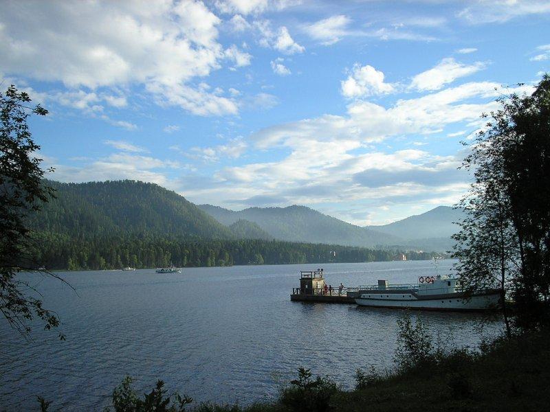 Фото Телецкого озера на Алтае