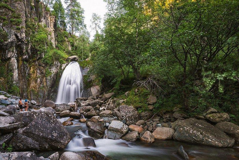 Водопад Корбу на Алтае