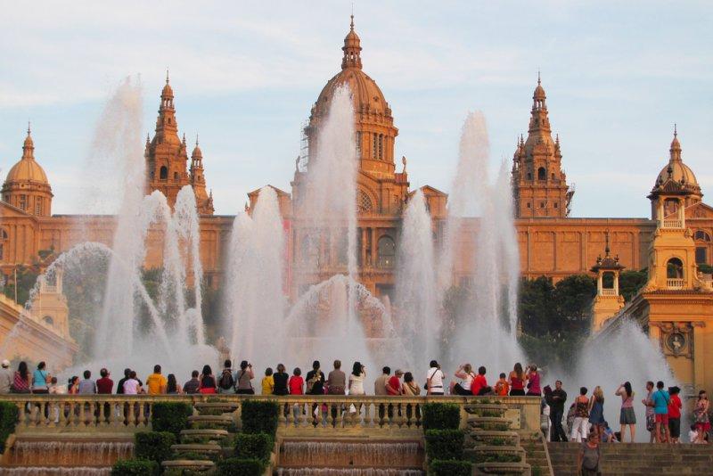 Поющие фонтаны Монжуика, Барселона, Испания