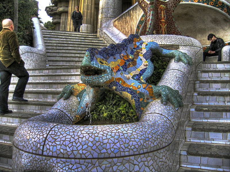 Знаменитая ящерица - символ Барселоны