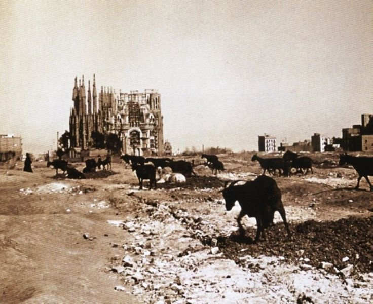 Строительство храма Святого Семейства (Барселона, 1915)