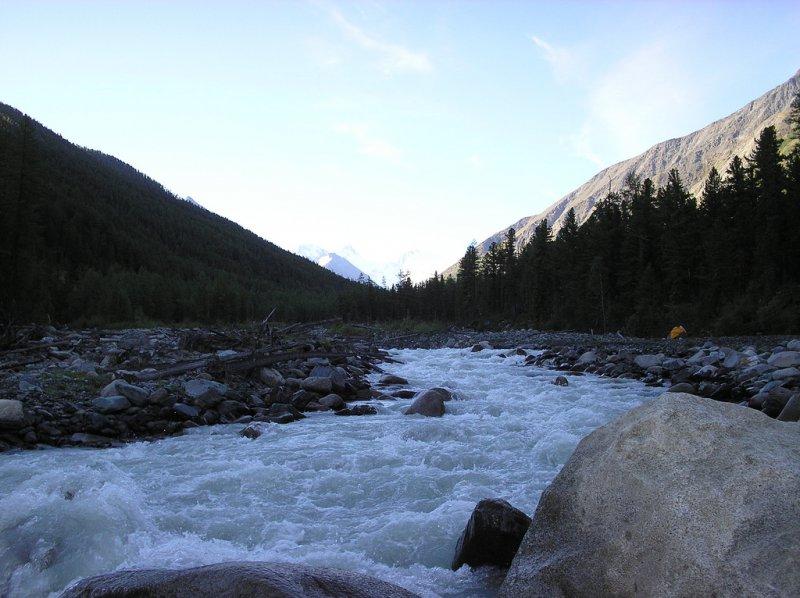 Горная река Катунь