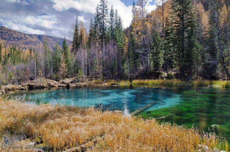 Гейзерное (голубое) озеро у села Акташ. (© Svetlana Shupenko || 500px.com)