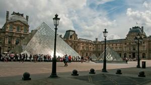 Пирамиды Лувра