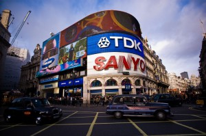 Знаменитые билборды на площади Пикадилли