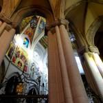 Колонны внутри собора