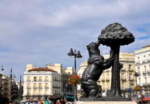 Медведь и земляничное дерево на Пуэрта-дель-Соль