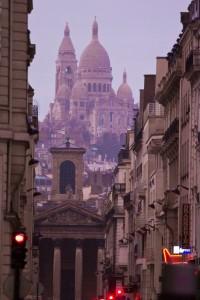 Вид на собор Сакре-Кер из города
