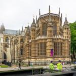 Вид на собор с улицы Лондона