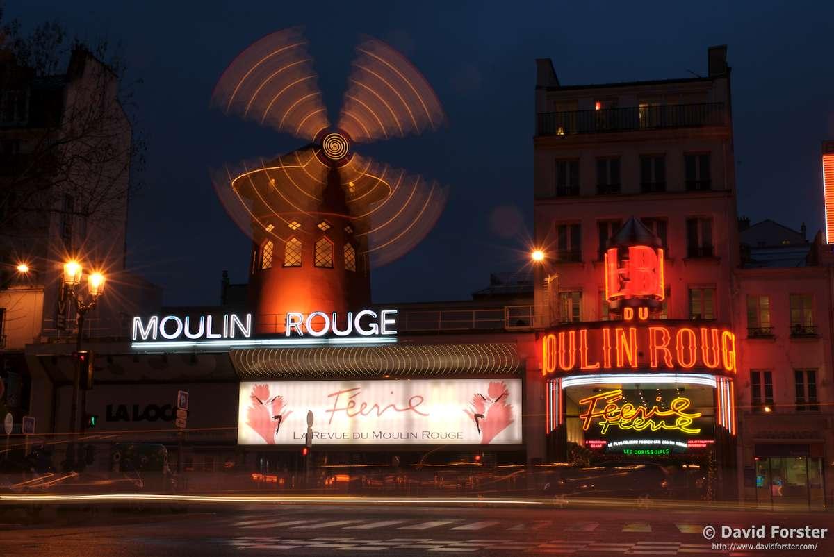Кабаре Мулен-Руж, Париж, Франция