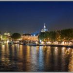 Ночная набережная Парижа