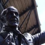 статуи Шенкли на Энфилде