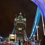 Ночной вид на мосту