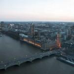 Вид на Вестминстерский дворец с London Eye