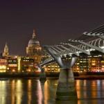 Пешеходный мост через Темзу