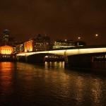 Ночной вид на мост в Лондоне