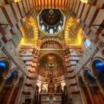 Внутреннее помещение собора в Марселе