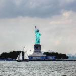 Знаменитая статуя - символ Свободы
