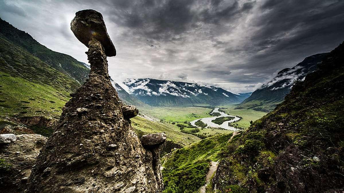 Каменные грибы Алтая