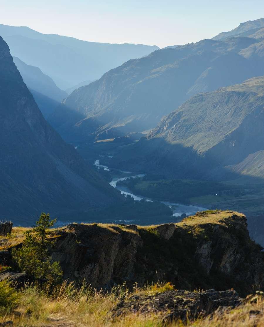 Вид на Чулышманскую долину и реку Чулышман с перевала Кату-Ярык