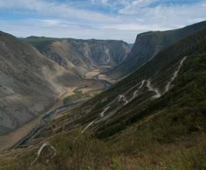 Вид на реку Чулышман с перевала Кату-Ярык