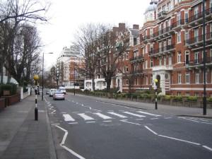 Знаменитый пешеходный переход на Эбби-Роуд