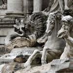 Статуи на фонтане Треви