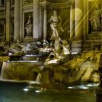 Ночной вид фонтана Треви