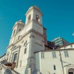 Церковь на вершине Испанской лестницы