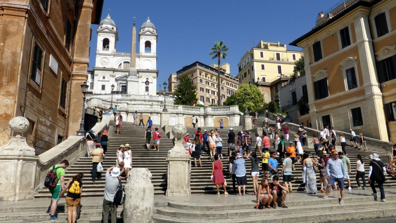 Вид на Испанскую лестницу