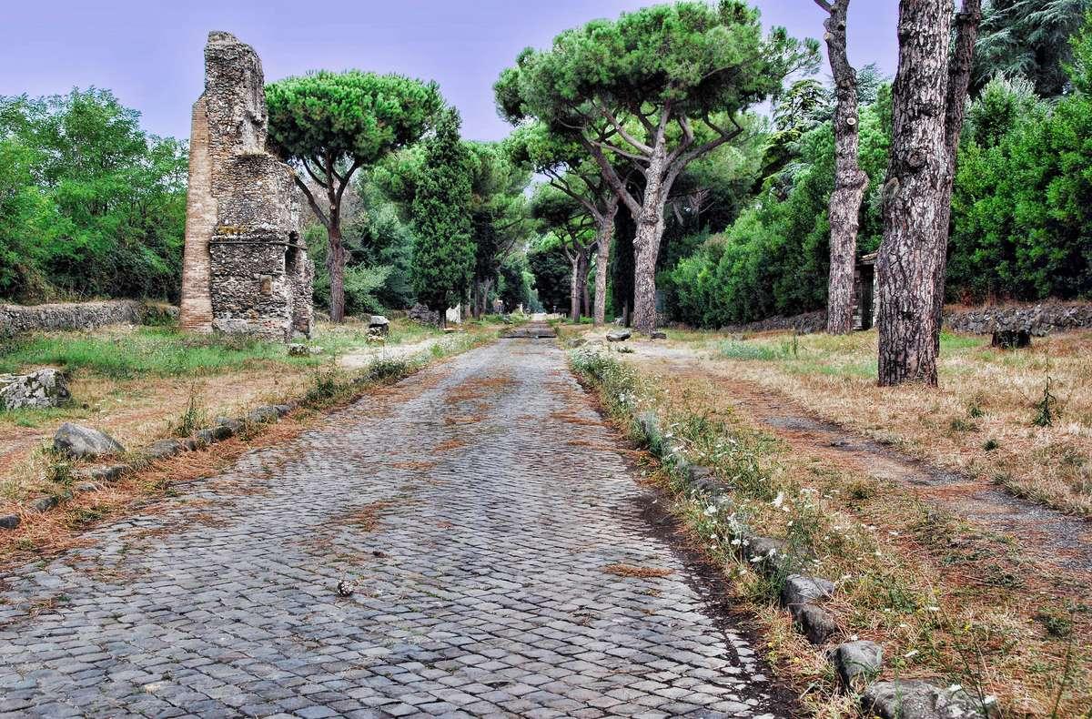 Аппиева дорога рядом с Римом