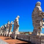Статуи на крыше собора Святого Петра, Ватикан