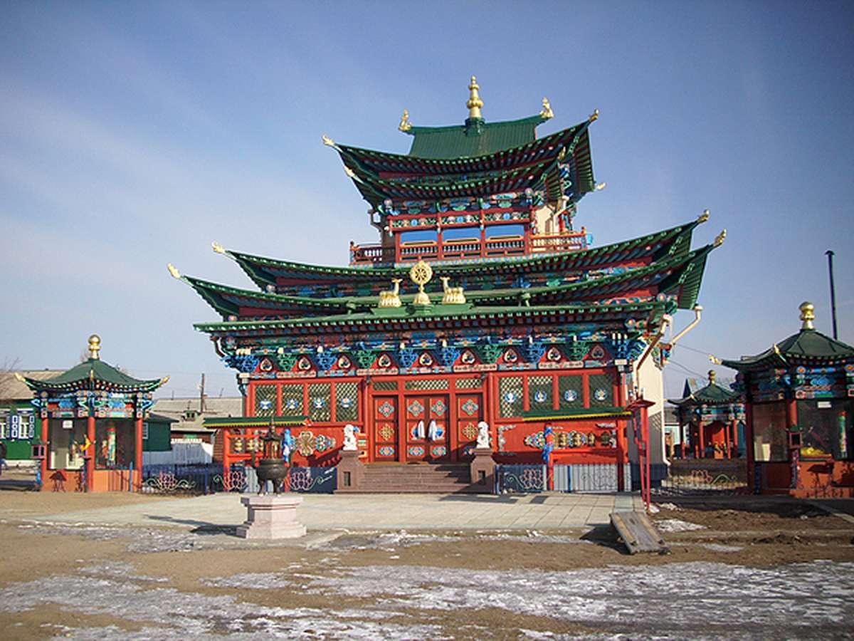 Дворец Хамбо ламы Итигэлова (Иволгинский дацан)
